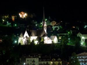 Chiesa di Moena illuminata