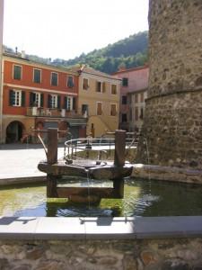 la fontana sotto il torrione dei Fieschi
