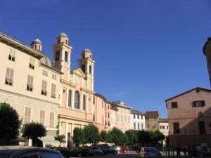 La parrocchiale vista dal castello