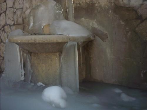 Pozzaglia Sabina - Fontana ghiacciata a Pozzaglia Sabina (RI)