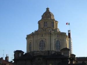 La Basilica e la bandiera …