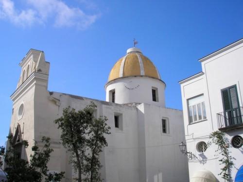 Forio - San Gaetano ;la cupola e la meridiana