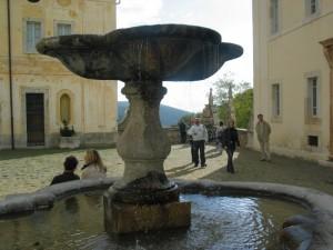 Certosa di Trisulti - Fontana nella piazzetta interna
