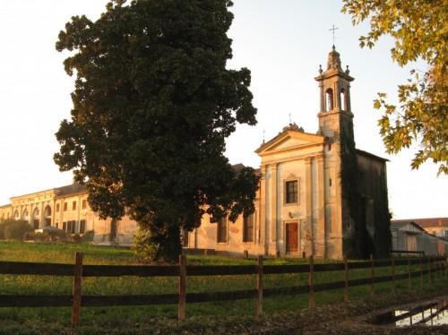 Isola della Scala - Chiesa privata in villa