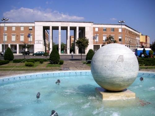 Latina - Sfera di Piazza del Popolo