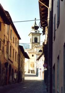 La strada che porta alla chiesa