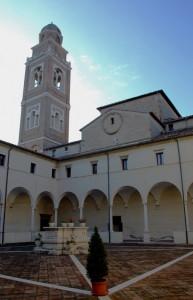 S. Paterniano - Basilica e Chiostro