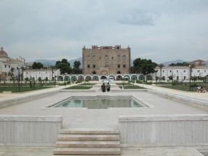 Palermo - Castello della Zisa 8 (veduta d'insieme della fontana)