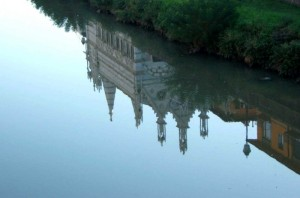 Lo specchio di N.S. della Spina in Arno
