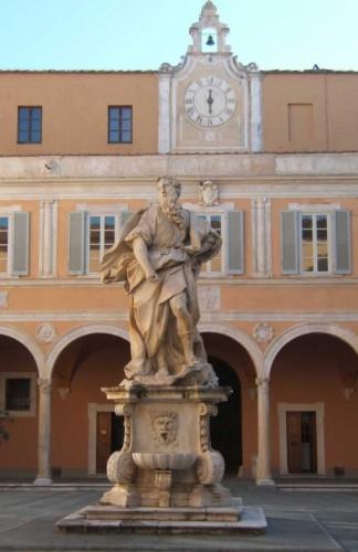 Pisa - A bocca asciutta:  Palazzo Arcivescovile - Mosè