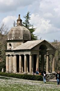 Tempietto nel Parco dei Mostri