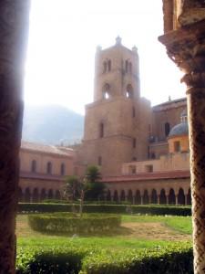 Chiostro veduta Duomo di Monreale