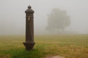 Fontana nella nebbia