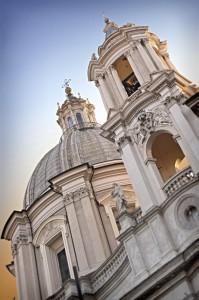 La chiesa che domina Piazza Navona