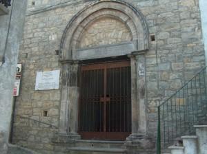 piccola chiesatta nel borgo