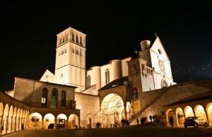 Basilica di San Francesco notturna