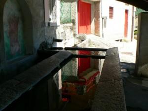 fontana lavatoio di veglio