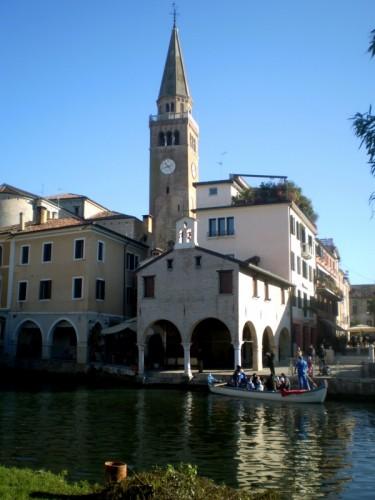 Portogruaro - Campanile del duomo di Sant'Andrea e l'Oratorio della Pescheria