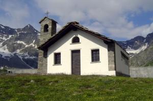 chiesetta nel parco del gran paradiso versante piemontese