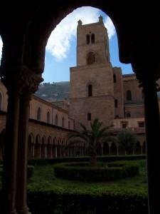 Torre del Duomo dal Chiostro