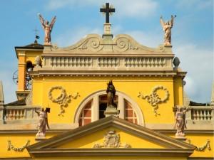 Statue della chiesa di Ameno