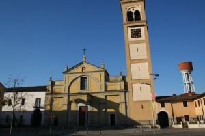 La piazza, la chiesa, l'acquedotto