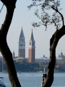 I campanili di San Giorgio e di San Marco tra gli ulivi