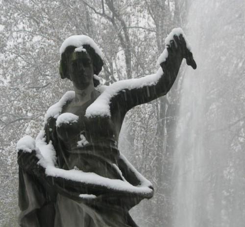Torino - Nuda sotto la neve
