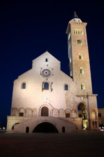 Trani - Trani la cattedrale di notte