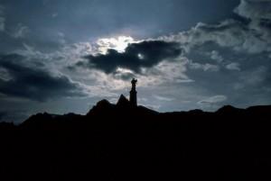 Siluette statua San Bernardo (Passo piccolo S. Bernardo)