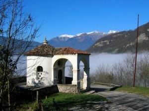 Piccola chiesetta con panorama per meditare