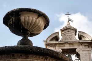 Fontana della piazza di Sutri