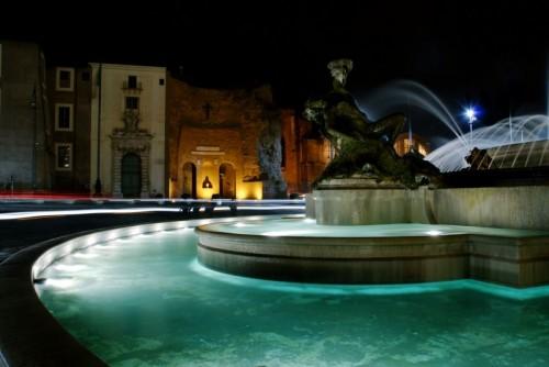 Roma - Fontana delle Naiadi e Basilica S. Maria degli Angeli e dei Martiri a Piazza della Repubblica