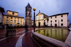 La fontana di Agliana con parrocchia di S. Piero