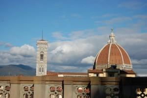 Il campanile accanto alla cupola…