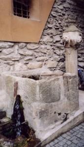 antica fontana a San Damiano