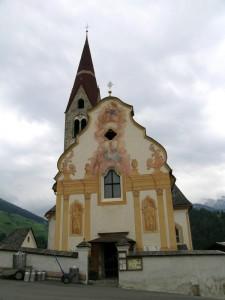 Chiesa affrescata nei dintorni del comune