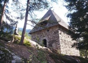 Chiesetta in località Cascate