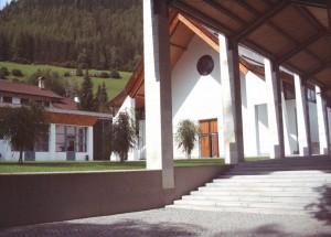 Chiesa a Cadipietra
