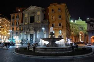 La Fontana del Carciofo e la Chiesa di San Ferdinando