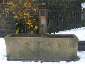 """Fontana """"Sankt Gertraud"""", quartiere Aslago, Bolzano"""
