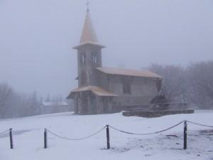 Cappelletta sotto la neve