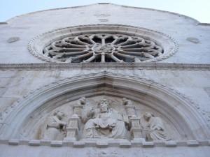 Portale e rosone del Duomo di Muggia
