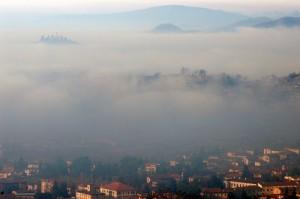 La Santissima tra la nebbia