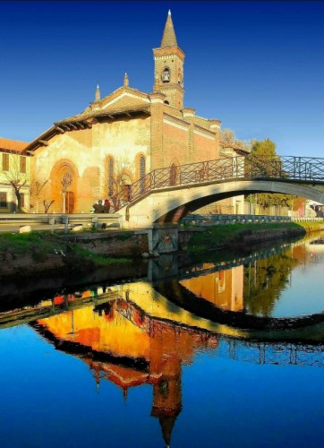 Milano - Riflessi sul Naviglio