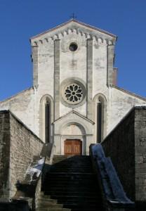 Facciata della chiesa dell'abbazia