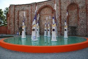 L'arte della ceramica in una fontana nella Rotonda Antonelliana