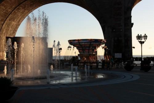 Zoagli - fontana con giostra