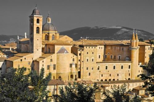 Urbino - Chiesa San Domenico a colori