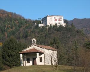 Chiesetta e Castel Brando